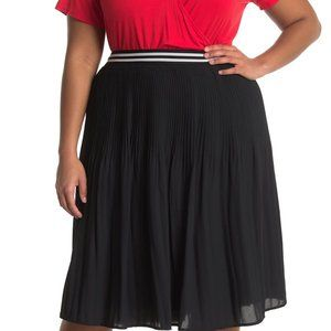 Fourteenth Place Pleated Skirt